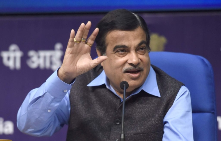 Gadkari Ends Need For Separate Driving Licence For Taxis. Next Stop: Freeing Private Cars To Run As Ola, Uber?