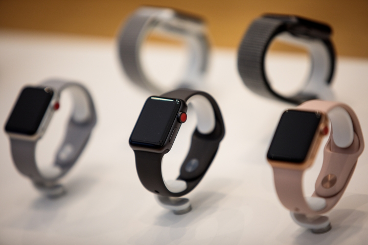 Jio Alleges Airtel Flouting Licence Norms For E-Sims To Sell Apple Watches, Claims Threat To National Security