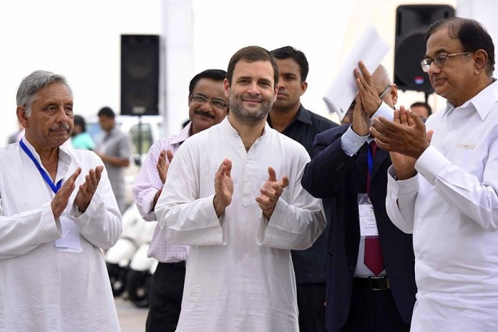 No Cash In 'Hand': Rahul Gandhi-Led Congress Facing Financial Crunch, Forced To Crowd-Fund Campaigns