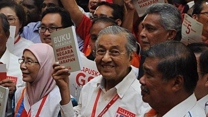 An Electoral Quake In Malaysia As Country's Nonagenarian Strongman Mahatahir Storms Back To Power