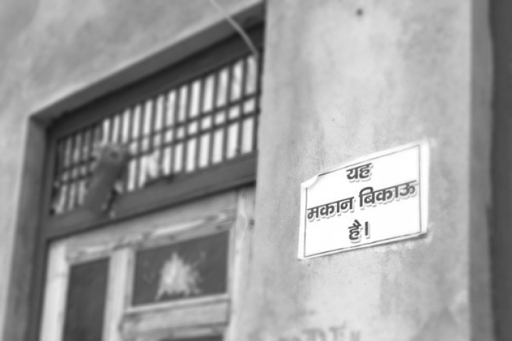 Why Have Hindu Families In This Agra Colony Put Up 'House On Sale' Posters?