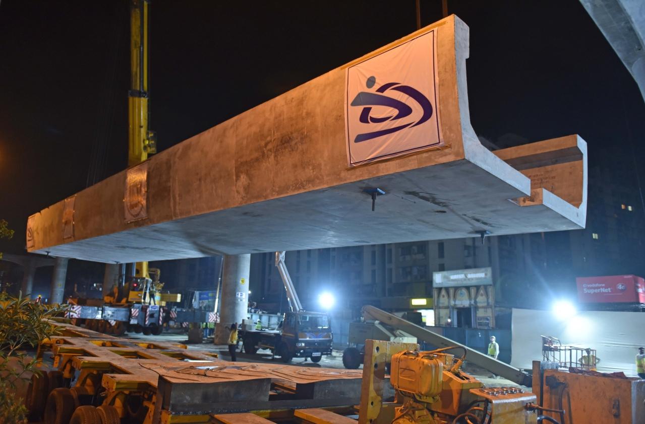 The 25 m-long U-shaped girder used on the Metro