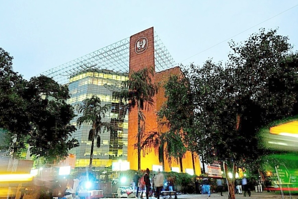 LIC Board Okays Acquisition Of Upto 51 Per Cent Stake In IDBI Bank