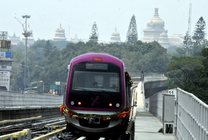 Namma Metro Finally Wakes Up And Decides To Display Ads Inside Trains, But Only In 'Less-Congested' Longer Ones