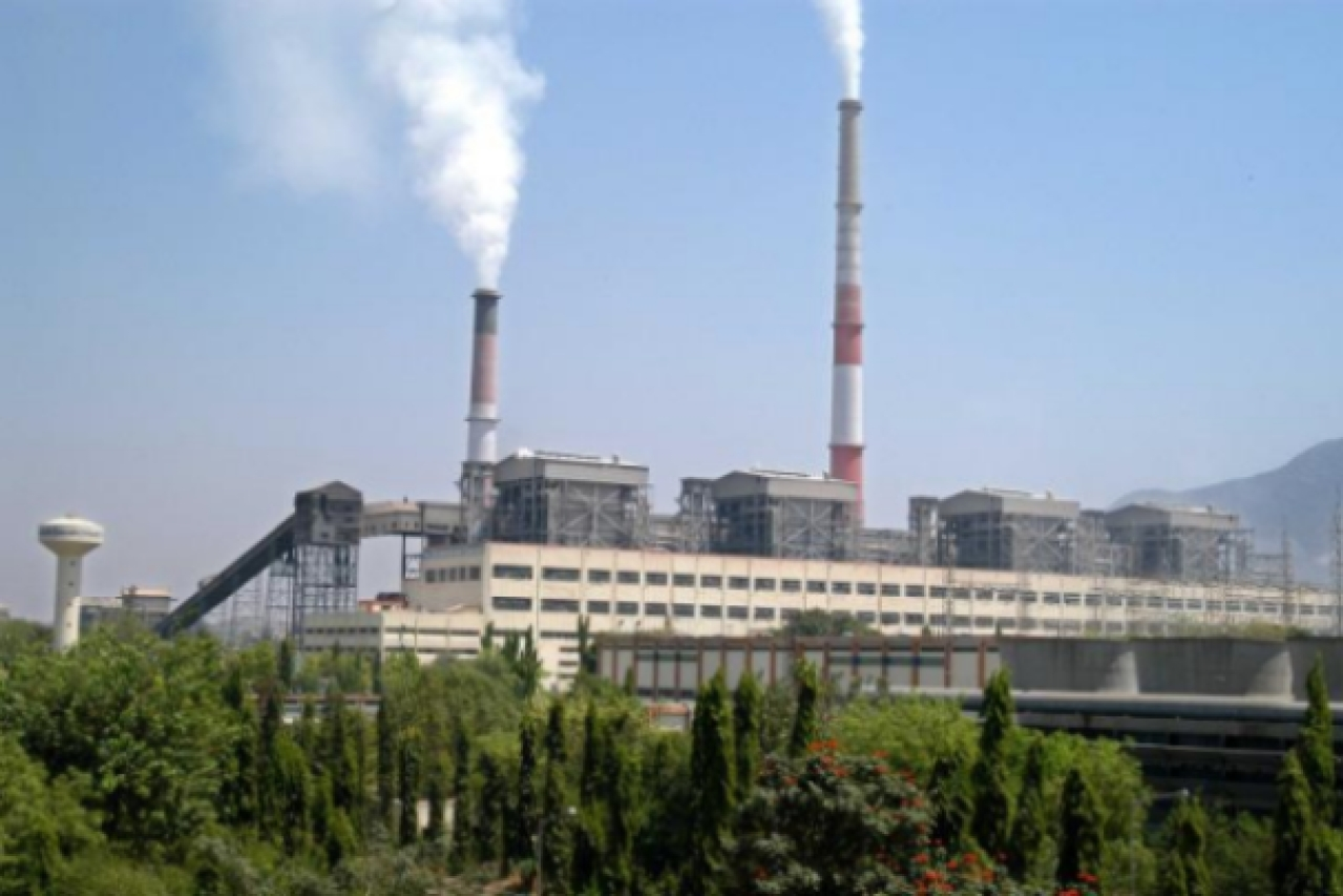 A view of the Mettur thermal station. Tamil Nadu's plan to treble thermal power capacity is 'unrealistic'.