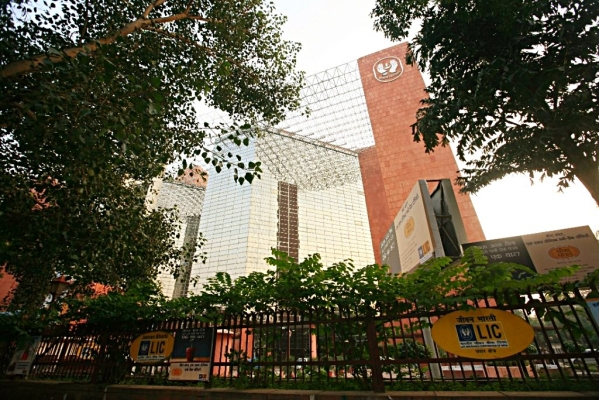 Five  Priorities For LIC After  IDBI Purchase: The Top One Should  Be  A Name Change  To LIC Bank