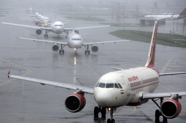 AAI Plans To Levy Additonal Charges For Slots During Peak Hours