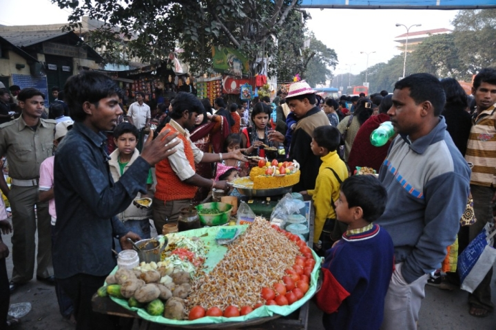 From Puchkas To Parathas And Keema To Kebabs: Food Aplenty On Kolkata's Streets