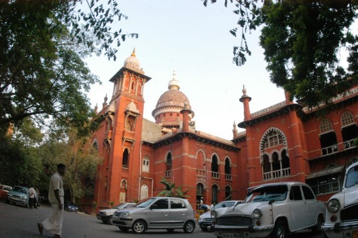Madras High Court Stays Tamil Nadu Government Order Transferring Idol Theft Cases To CBI