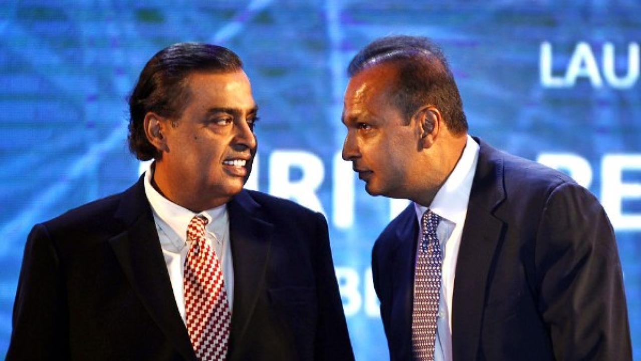 RCom Decides To Sell Spectrum To Reliance Jio, Thus Assuring Rs 15,000 Crore For The Government