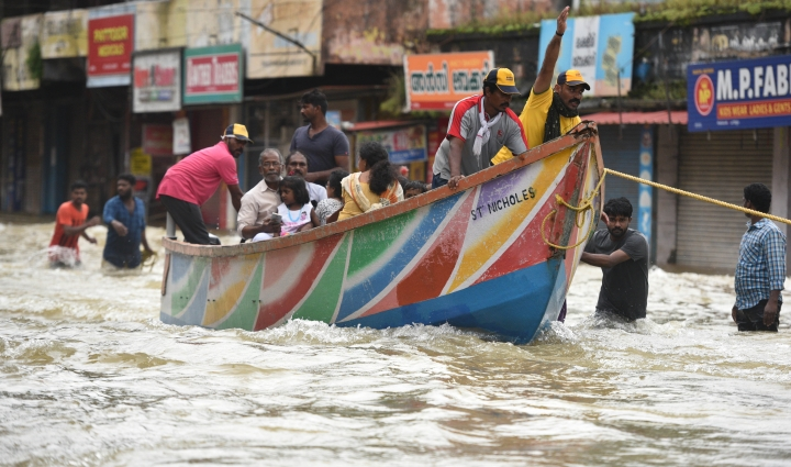 Kerala Floods: With Big Hearts And Boats, Kerala Fishermen Emerge As Heroes In The Rescue Mission