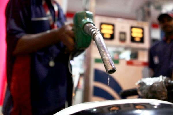 Indian Oil Imports To  Cost $26 Billion Extra Year-On-Year As Rupee Falls