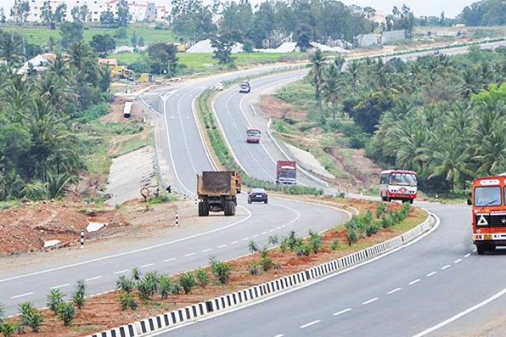 NHAI Prepares Over 500 Km Of Roads For Round 2 Of TOT, Sets Base Price At Rs 5,362 Crore