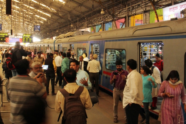 Mumbai AC Locals See 22 Lakh Commuters In Seven Months With Daily Ridership Of 15,000 Passengers