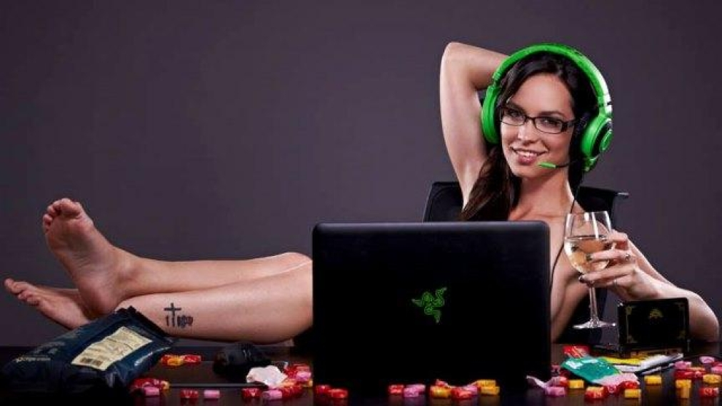 more women are now playing video games than men
