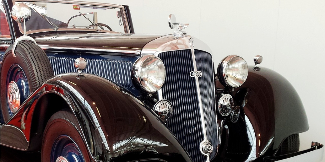 The Advantages and Drawbacks of Purchasing a Vintage Car