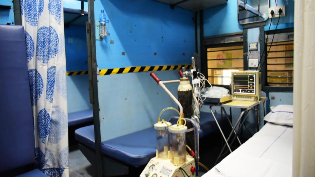 Exclusive Photos: क्या आपने देखा, रेल डिब्बों में कैसे तैयार हुआ कोरोना आइसोलेशन वार्ड?