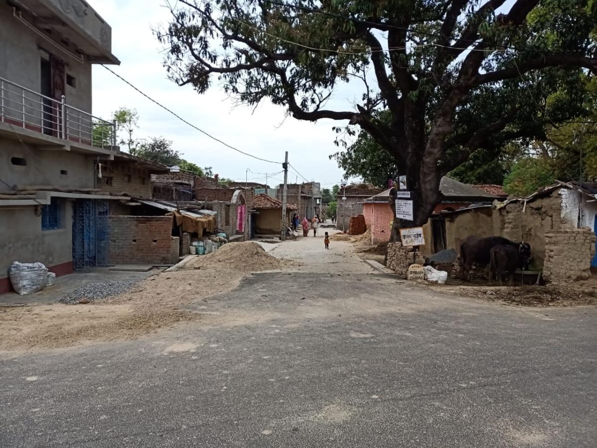 निर्भया कांड : फांसी के बाद दोषी अक्षय ठाकुर के गांव में पसरा मातमी सन्नाटा