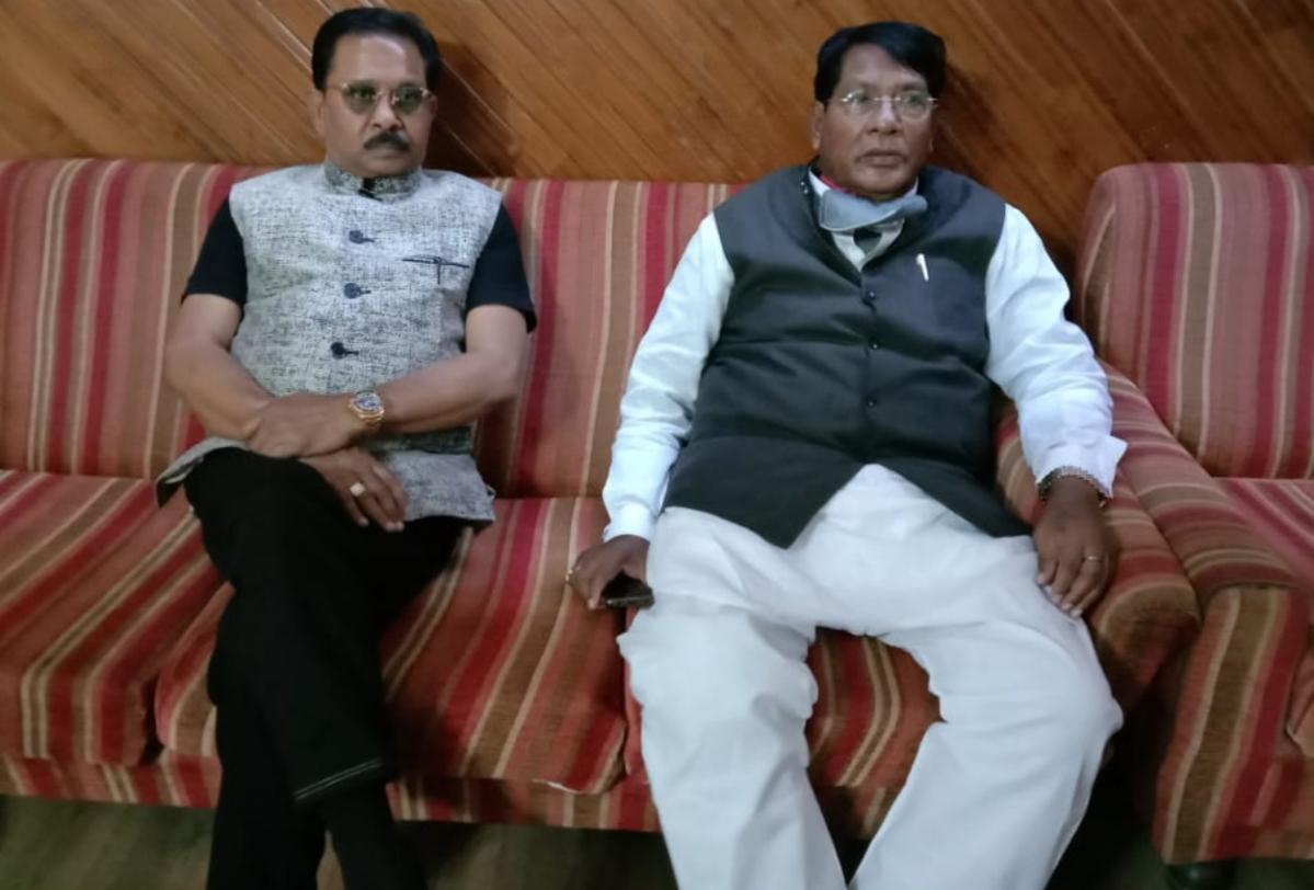CoronaVirus Outbreak : खाद्य आपूर्ति मंत्री रामेश्वर उरांव ने लोहरदगा में स्थिति का लिया जायजा