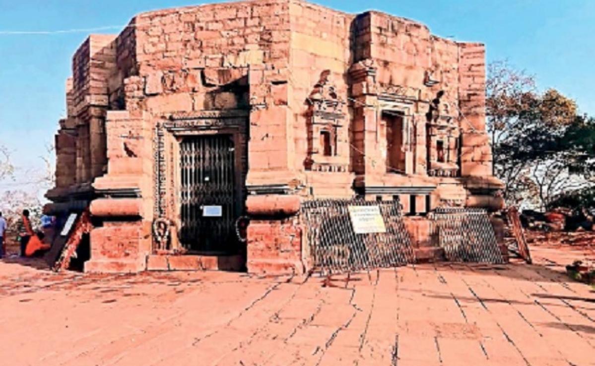 कोरोना वायरस: मुंडेश्वरी मंदिर में दर्शन पर लगी रोक, सैकड़ों वर्षों में मां के दर्शन पर नहीं लगी थी रोक
