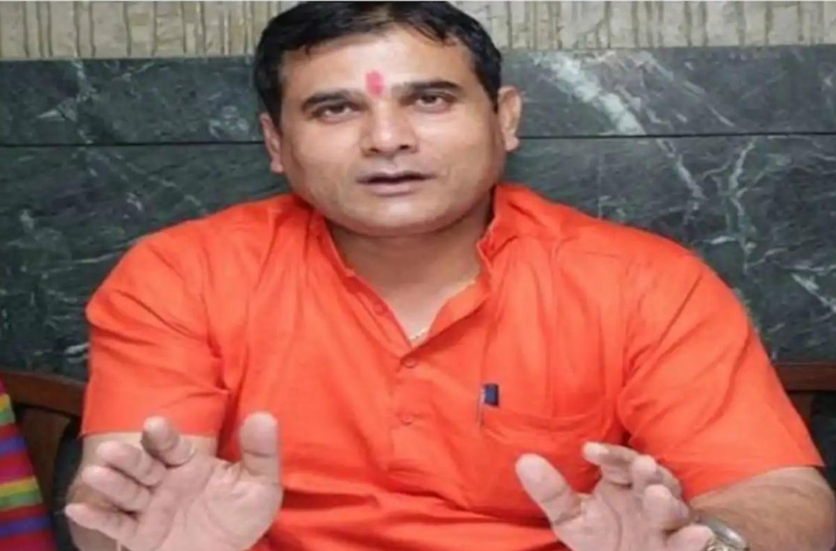 CoronaVirus Lock down : भाजपा विधायक के विवादित बोल- गोली मार दें, जो Lock down में घर से बाहर निकले