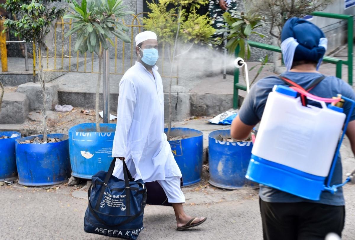 Nizamuddin Markaz LIVE : दिल्ली पुलिस ने तब्लीगी जमात से जुड़े 157 विदेशी नागरिकों के साथ तत्काल कार्रवाई करने की मांग की