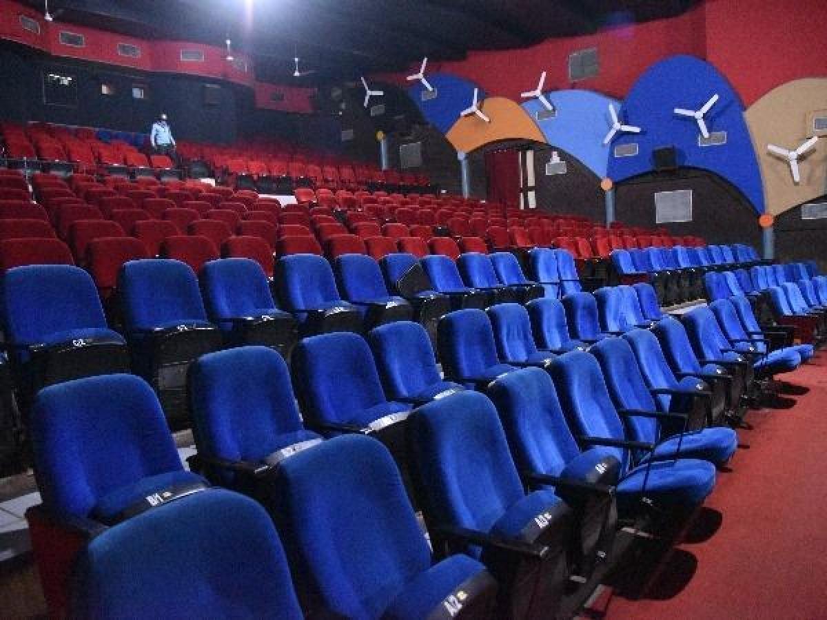 31 मार्च तक सिलीगुड़ी के सभी पार्क व सिनेमाघर किये गये बंद