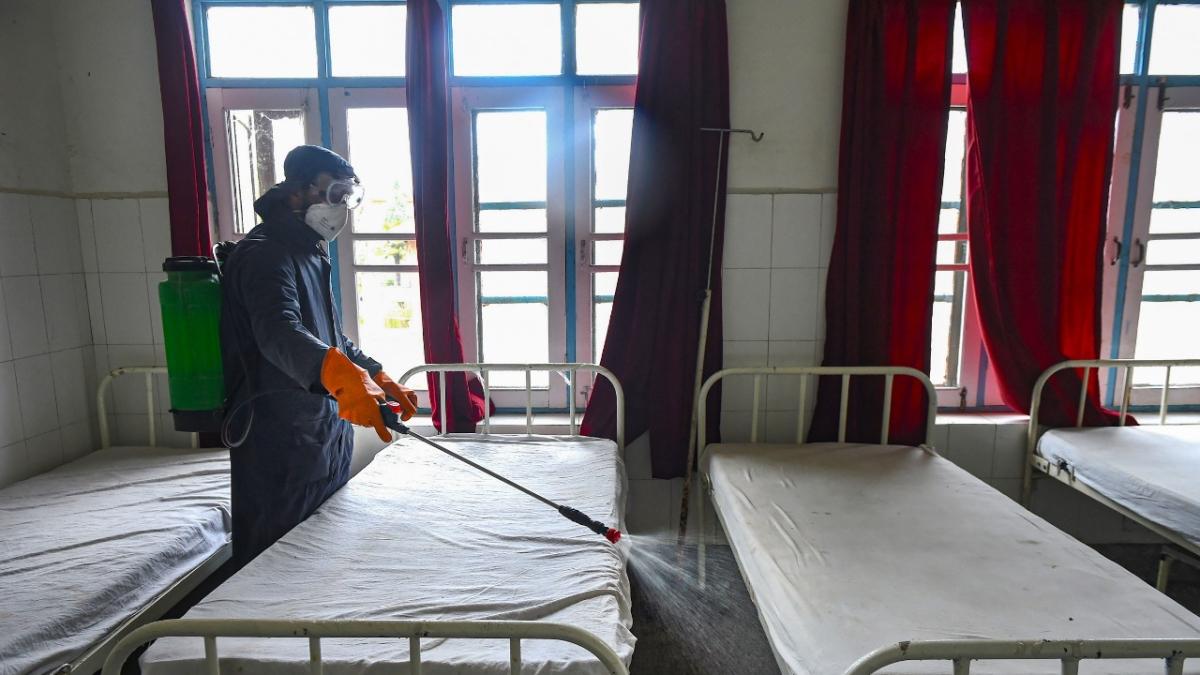 कोरोना से जंग : पटना के दो दर्जन होटल बनेंगे क्वारेंटाइन सेंटर, फिलहाल पटना में होम क्वारेंटाइन की संख्या 3843
