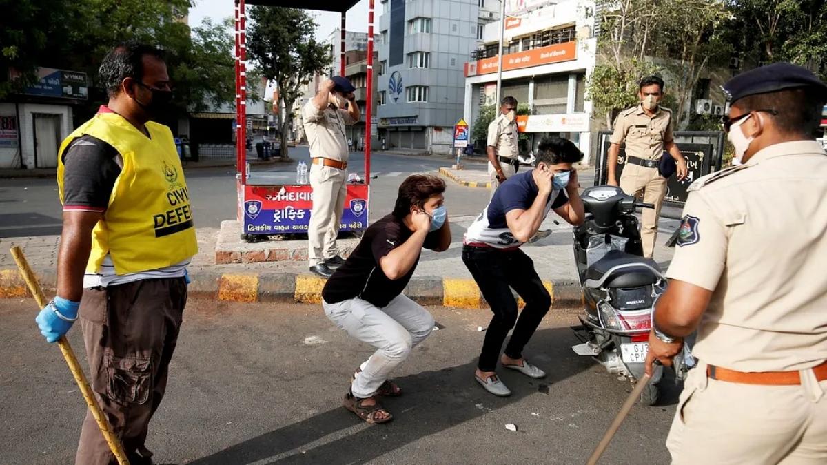 लॉकडाउन : पटना में पुलिस ने एक दिन में 254 वाहन चालकों पर लगाया 2.5 लाख का जुर्माना