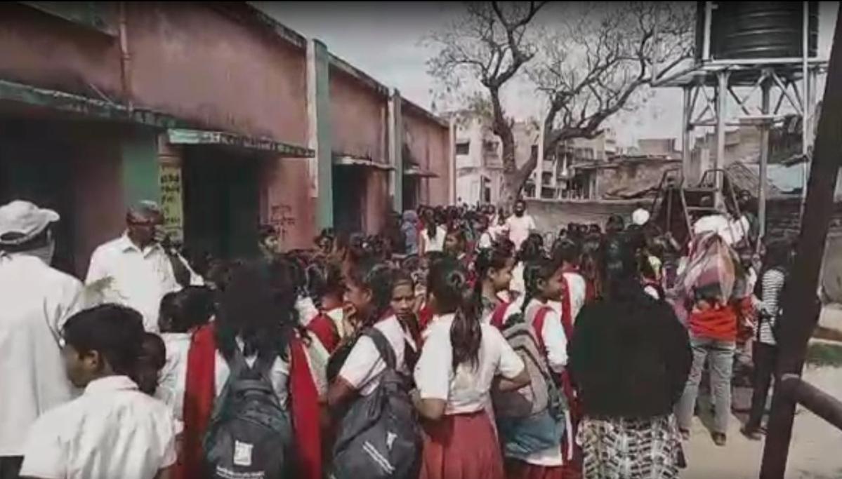 Coronavirus Lockdown Jharkhand LIVE : मालगाड़ी में छुपकर जा रहे थे मजदूर, पलामू में रेलवे अधिकारियों ने उतारा