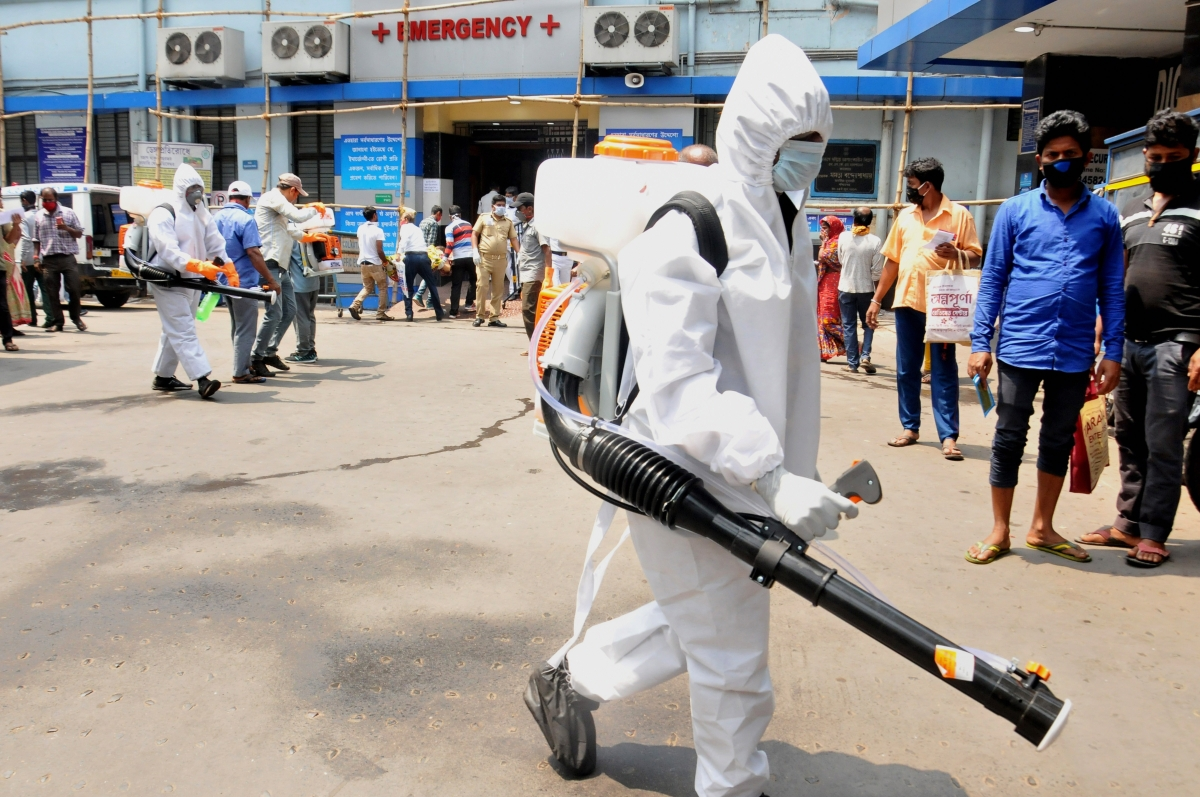 Coronavirus Lockdown : गृह मंत्रालय ने राज्यों से कहा, लॉकडाउन के दौरान न रोका जाए आवश्यक सेवाओं को