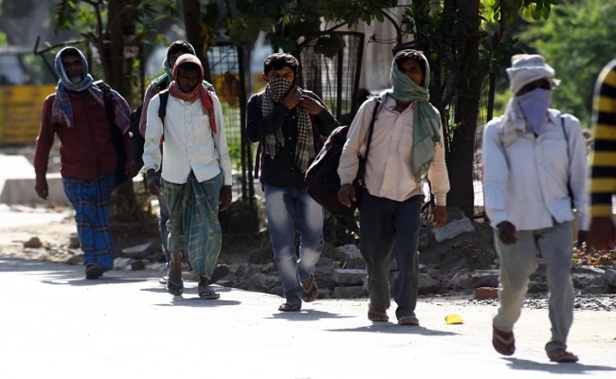 Lockdown : बिहार लौट रहे प्रवासियों के लिए नीतीश सरकार का मास्टर प्लान, 14 दिन तक कैंप में रहेंगे