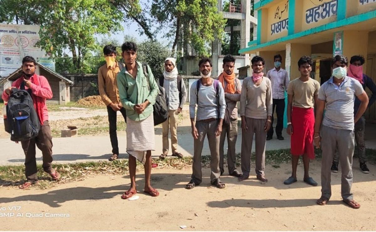 Coronavirus Lockdown : हरियाणा से पैदल चलकर 17 मजदूर जा रहे थे मुजफ्फरपुर, पहुंच गये रोहतास