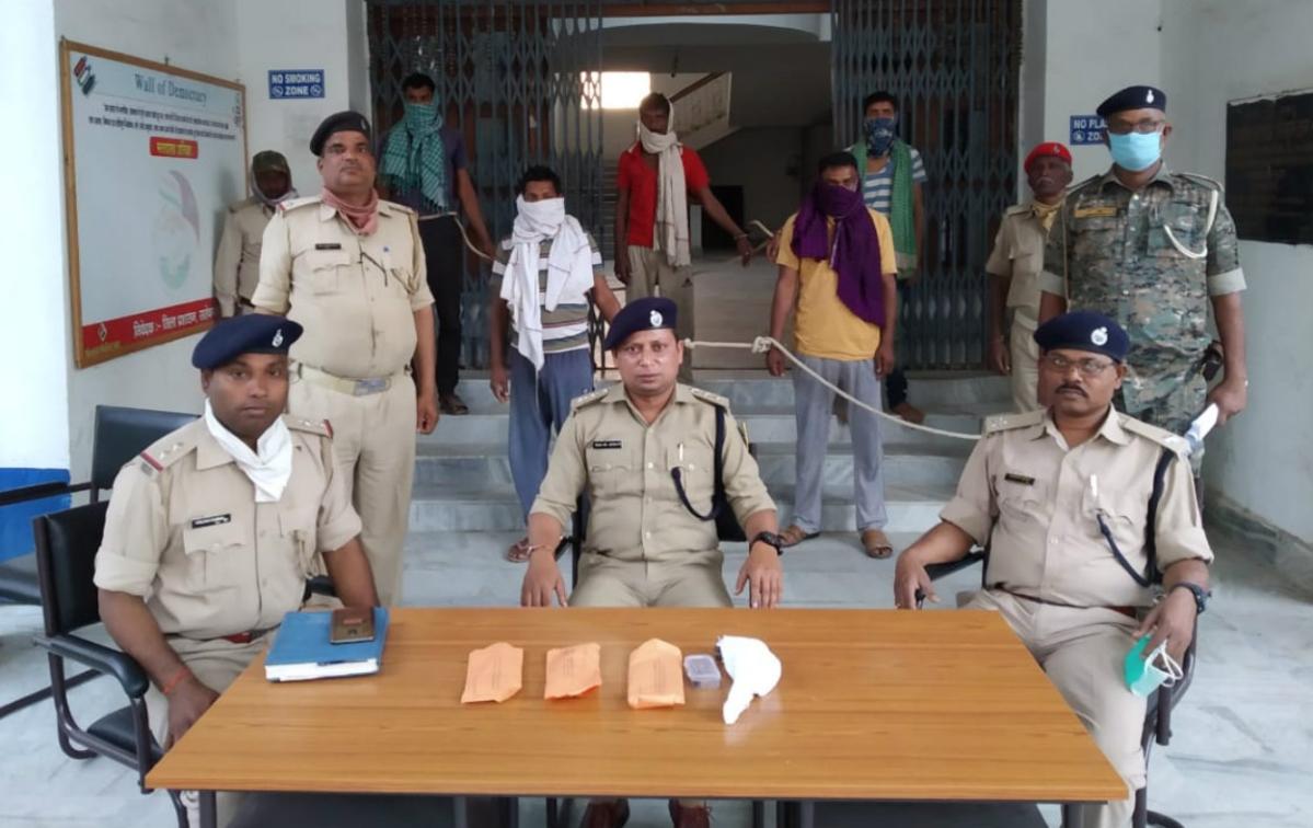 साहिबगंज : पुलिस ने अपहृत को छुड़ाया, बिहार के 5 अपराधी गिरफ्तार, हथियार बरामद