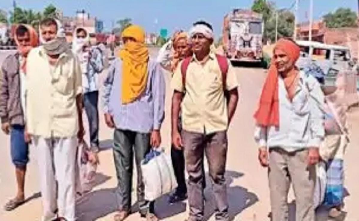 बक्सर से 600 किमी दूर राजस्थान अपने घर पैदल ही जा रहे मजदूर