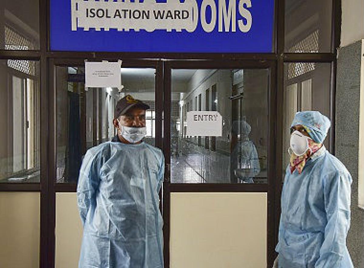 कोरोना का संदिग्ध होने पर नेपाल के दो युवकों को लाया गया सदर अस्पताल
