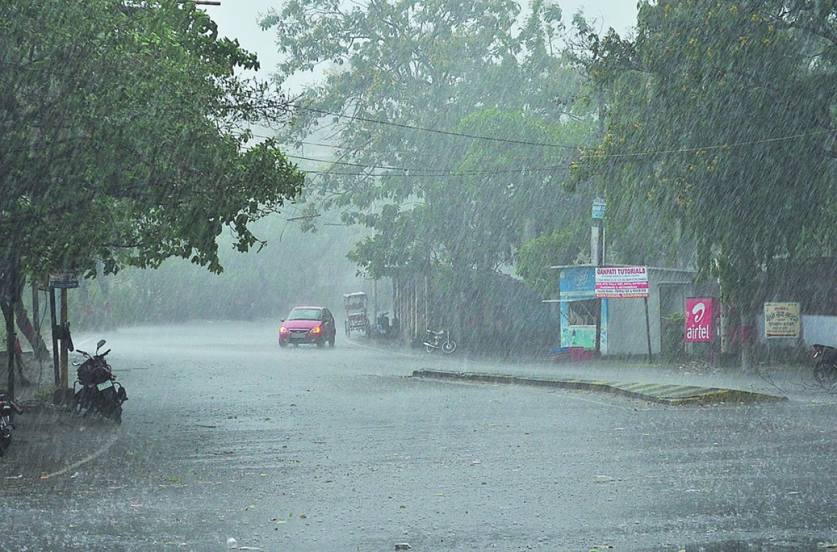 Weather Update: कल इन स्थानों पर हो सकती है बारिश के साथ गर्जन