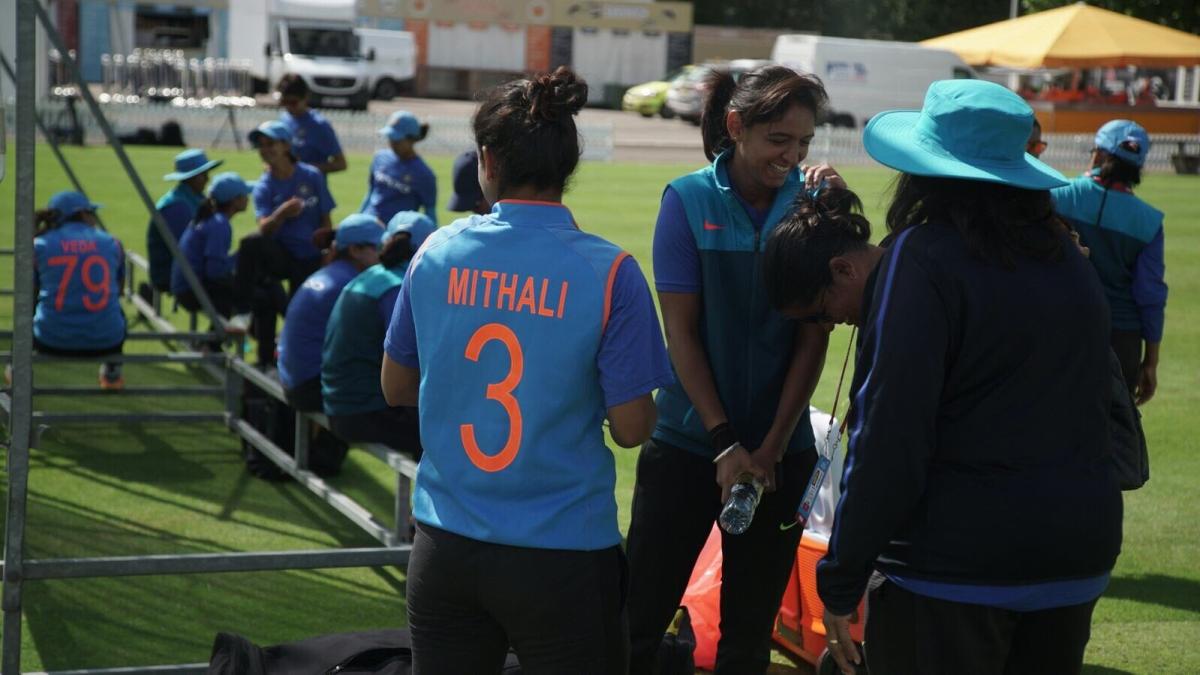 वहीं, भारतीय टीम इसे लेकर पूरी तरह तैयार है और उसने अभ्यास सत्र में जमकर तैयारियां कीं.