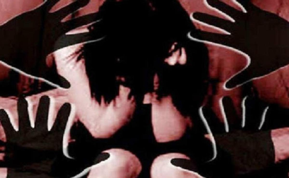 शर्मनाक: घर में घुस कर दोस्त की पत्नी से किया दुष्कर्म