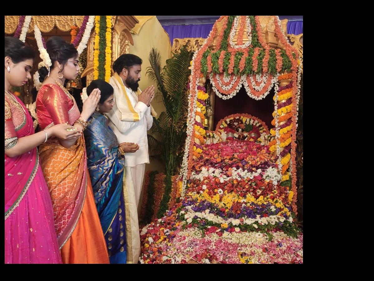 श्रीरामुलु ने बेटी रक्षिता की शादी के लिए दीपिका पादुकोण की मेकअप आर्टिस्ट को बुलाया है.