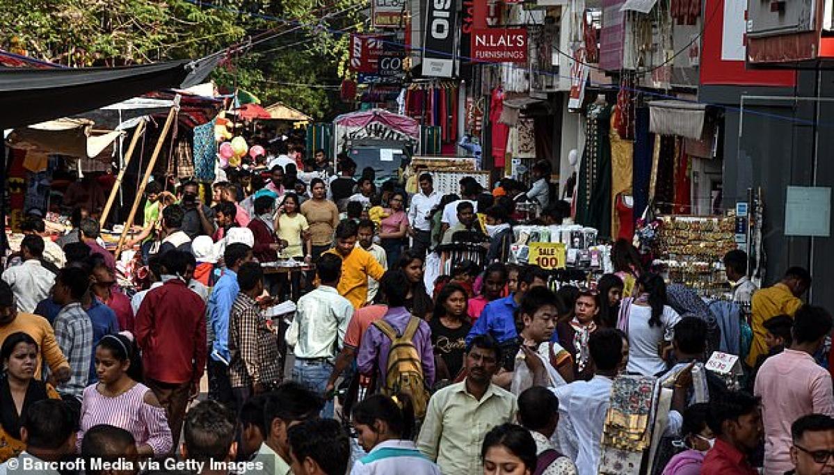 जनता कर्फ्यू को लेकर बाजारों में खरीदारों की उमड़ी भीड़