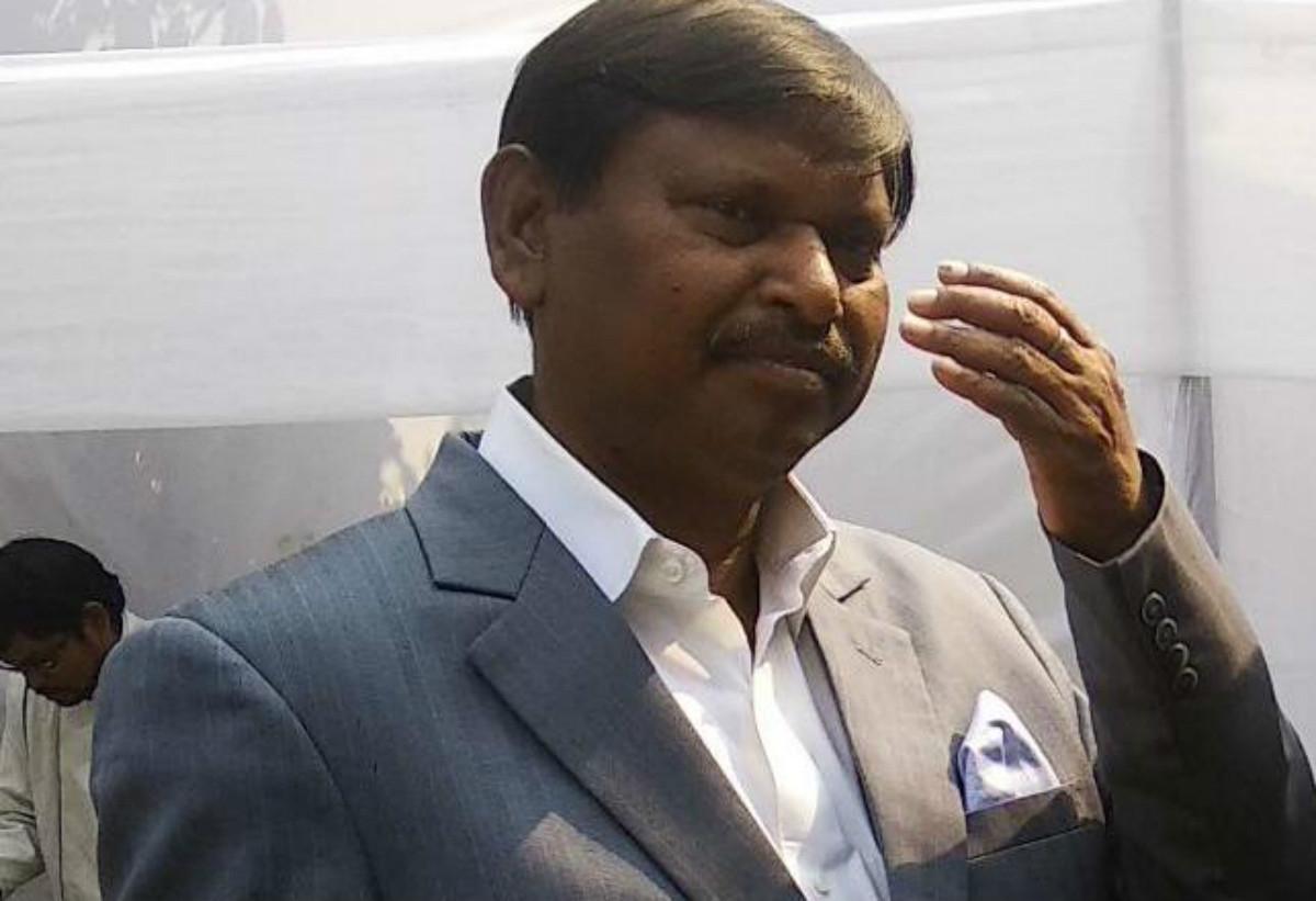 Coronavirus Lockdown: कोरोनावायरस से निबटने के लिए केंद्रीय मंत्री अर्जुन मुंडा ने दिया एक करोड़