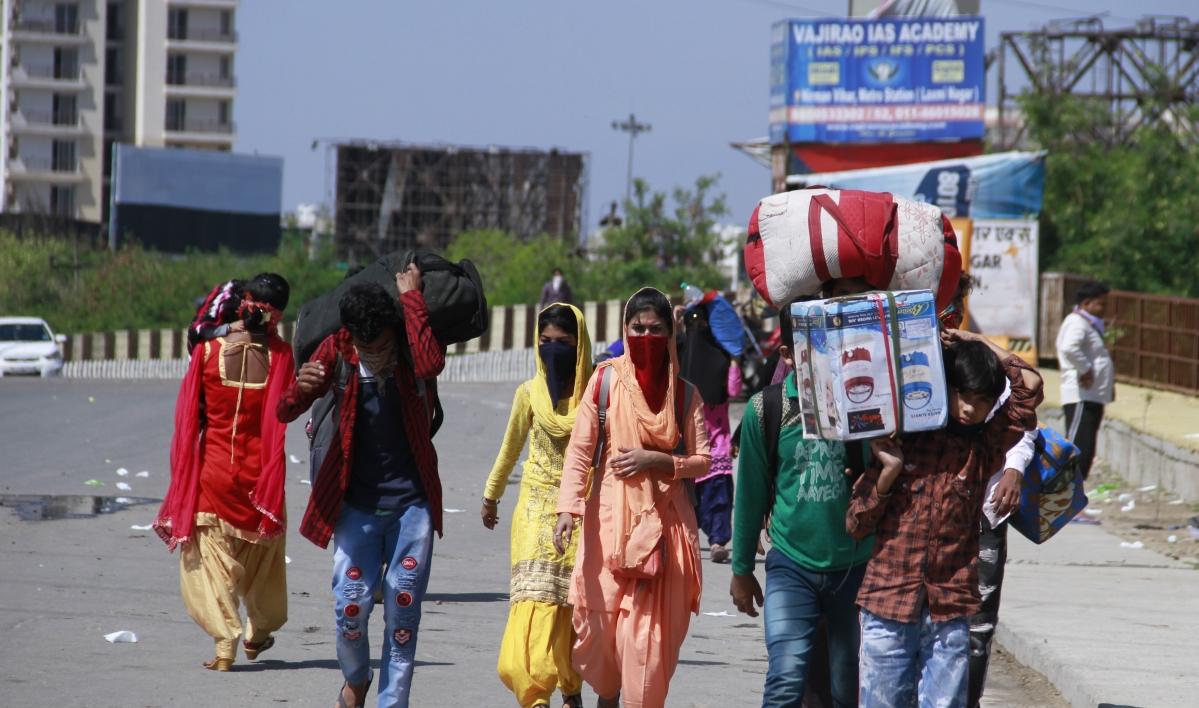 हावड़ा से झारखंड के लिए पैदल निकल पड़े 18 मजदूर