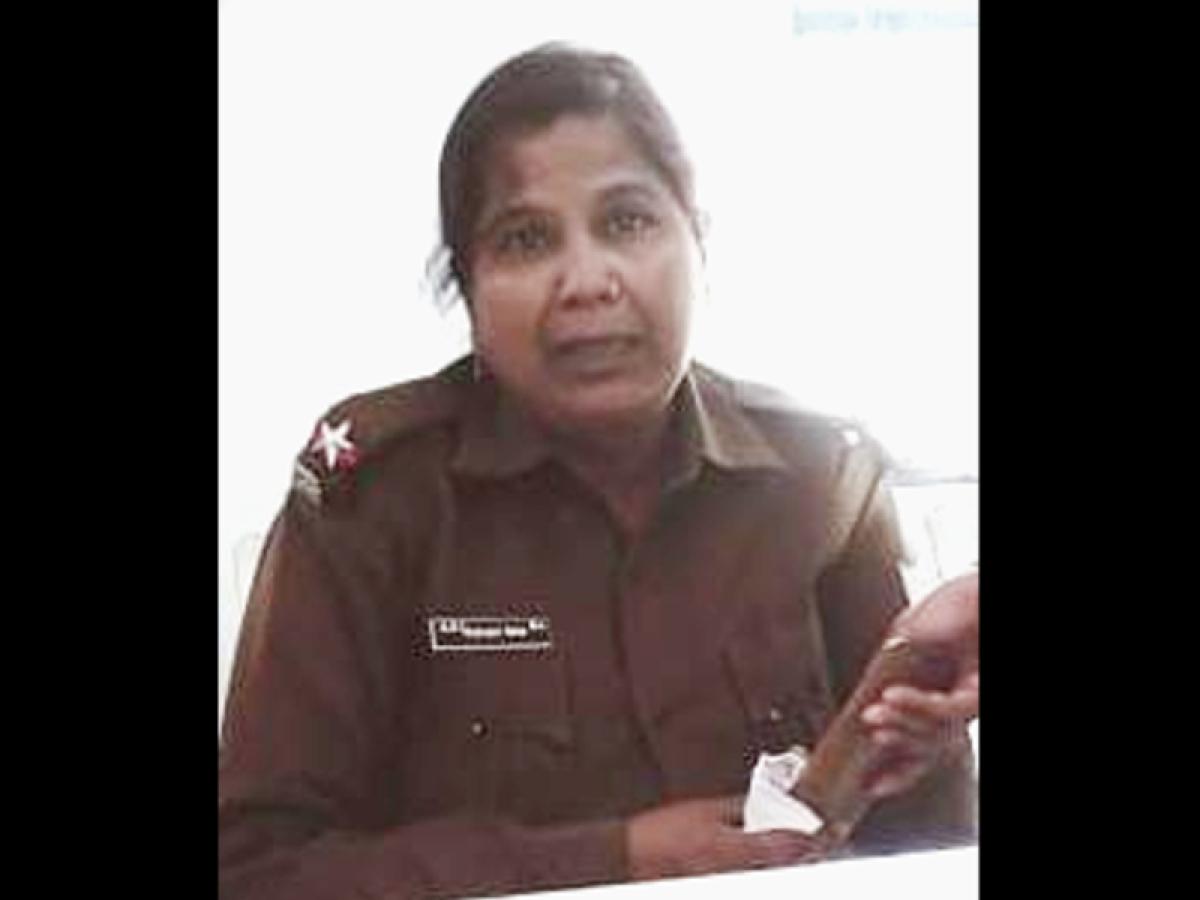 दुमका में महिला ASI कल्याणी साहा को ACB ने 3000 रुपये रिश्वत लेते किया गिरफ्तार