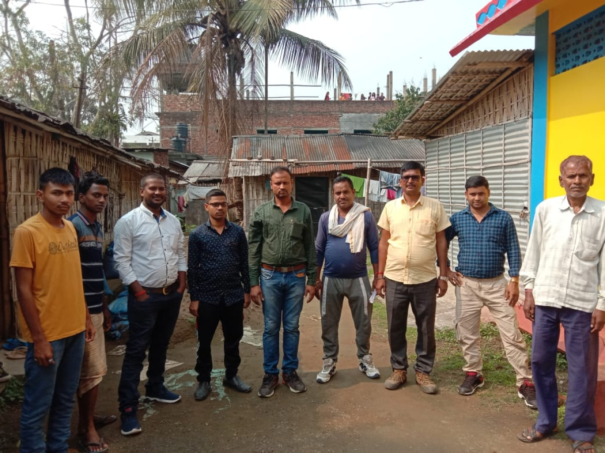 Coronavirus Lockdown: असम में फंसे चौपारण के मजदूर, झारखंड सरकार से कहा- बीमारी से नहीं, भूख से मर जायेंगे