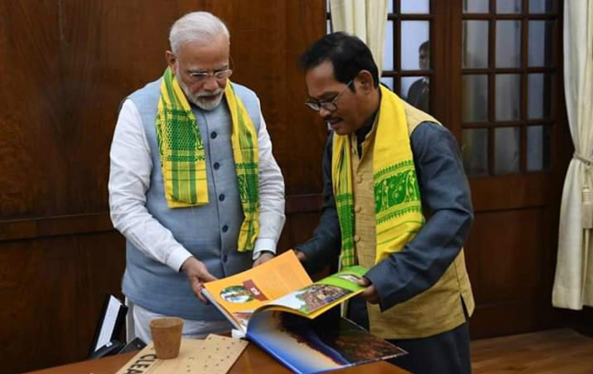 जलपाईगुड़ी के सांसद ने PM नरेंद्र मोदी से की मुलाकात, उत्तर बंगाल के विकास पर की चर्चा