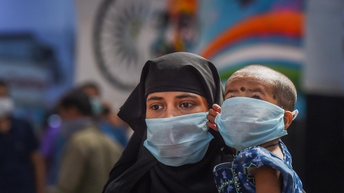 Coronavirus: देश के 272 जिलों में पहुंचा संक्रमण, महाराष्ट्र में सबसे अधिक 747 केस