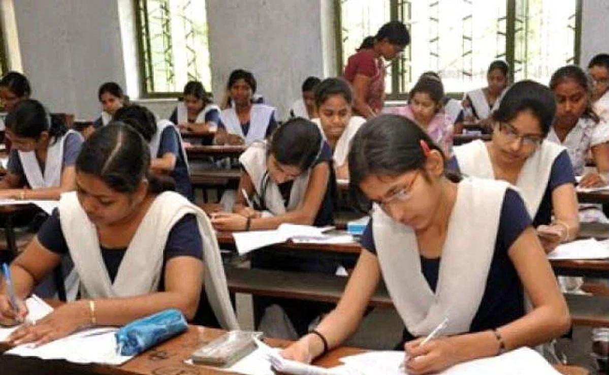 Bihar BSEB 10th Result 2020 :  10वीं के  छात्रों के लिए राहत भरी खबर, अप्रैल के आखिरी सप्ताह में आ सकता है परिणाम