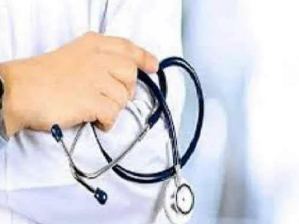 AIIMS की महिला चिकित्सक को घर खाली नहीं करने पर दी रेप करने की धमकी, मामला दर्ज