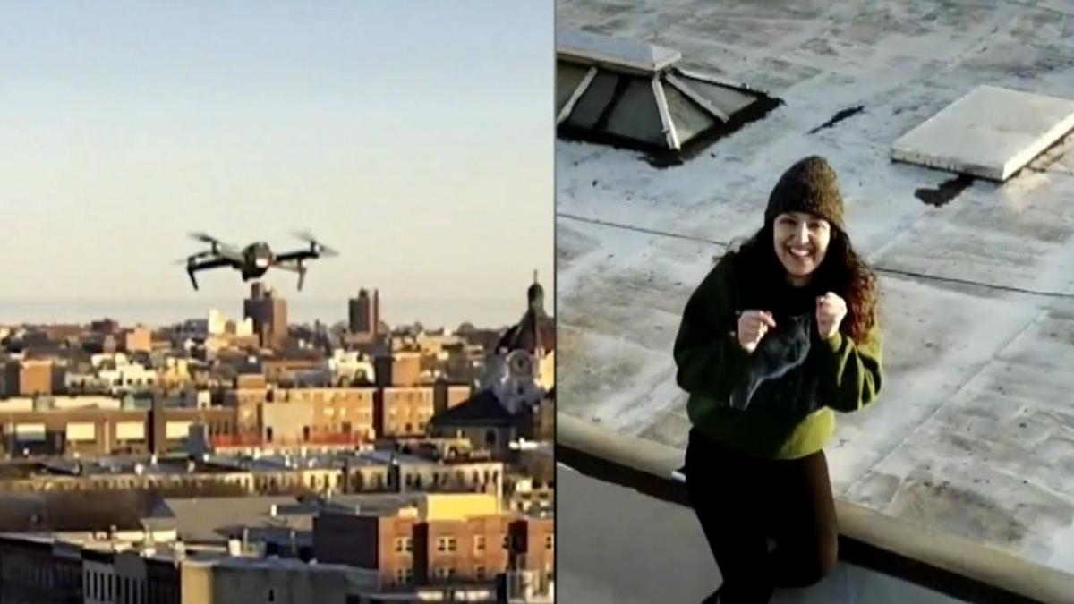Corona के डर से घर में बंद लड़के ने लड़की को ड्रोन से किया प्रपोज, TIKTOk पर वीडियो वायरल